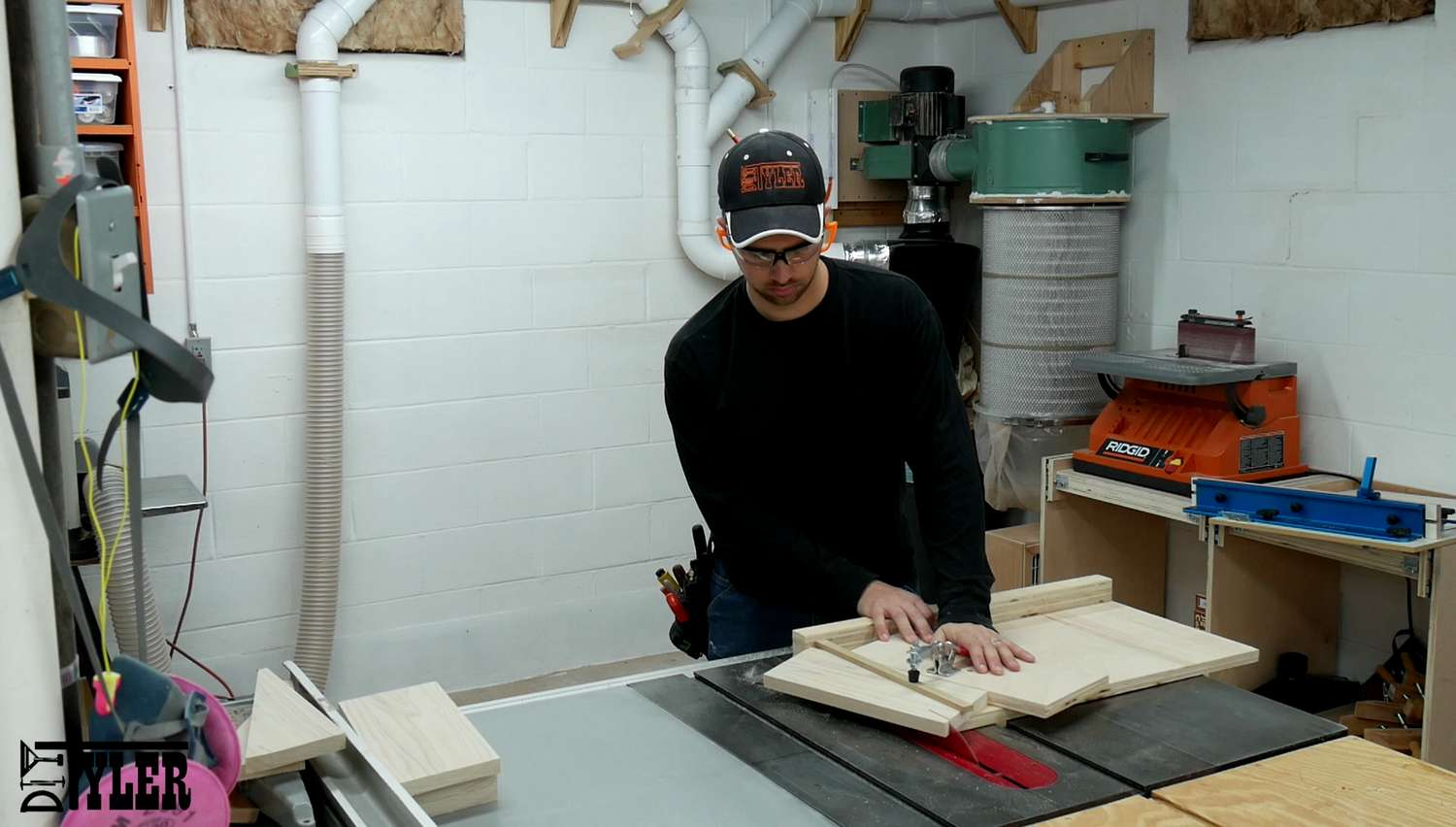 cross cuts on the table saw sled